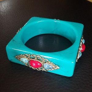 Large bangle bracelet